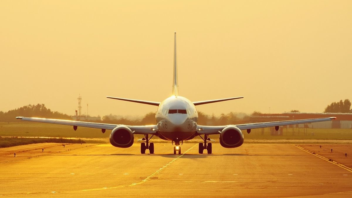 si-soñamos-con-un-avion-parado