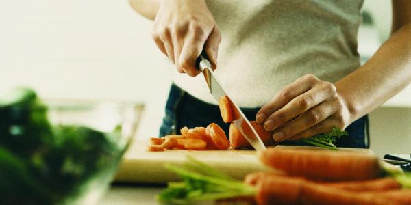 soñar-con-una-cocina-significado-soñar-que-se-te-quema-la-comida