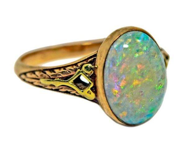Opalo anillo