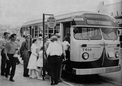 DSR-7010_TransitBus_1950-c