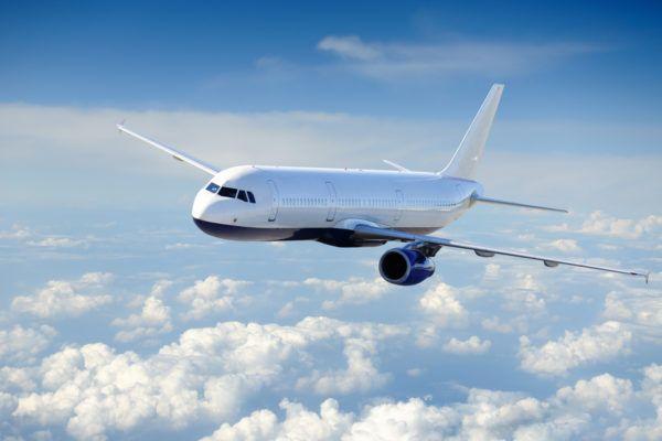 Soñar que hacemos transbordo de aviones