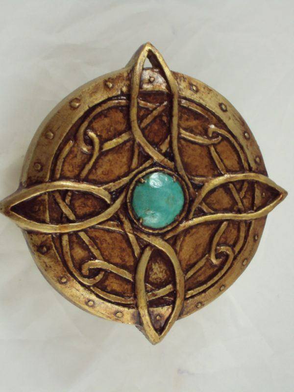 sonar-con-amuleto