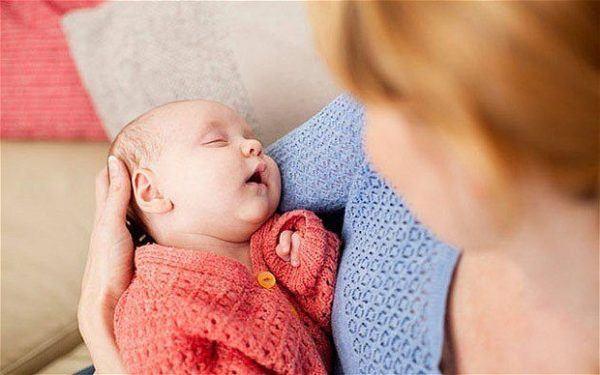 soñar-que-tenemos-un-bebe-en-brazos