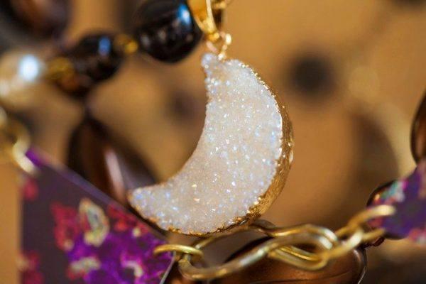 Amuletos proteccion luna