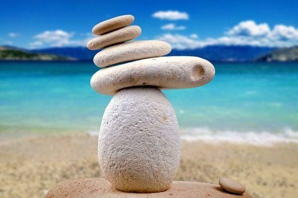 el-reiki-beneficios-piedras-zen-armonia