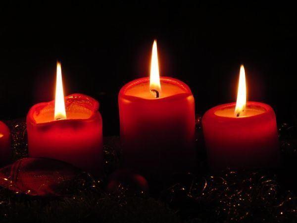 los-significados-del-color-de-las-velas-tres-rojas