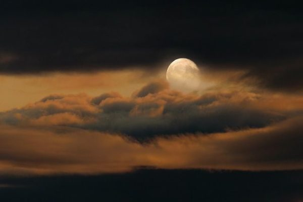 como-nos-afecta-la-luna-llena3