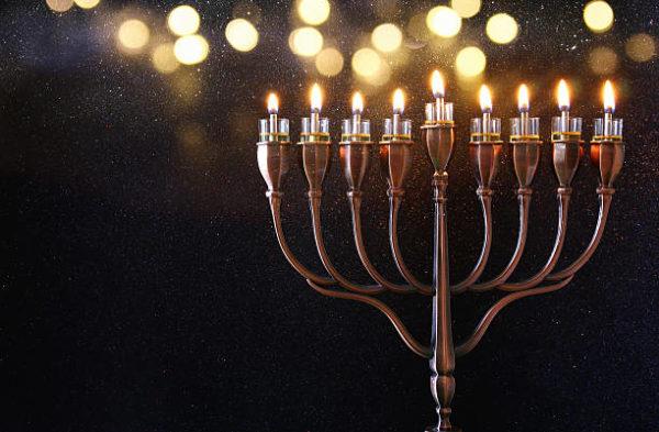 Como encender la menora de hanukkah velas de hanukkah