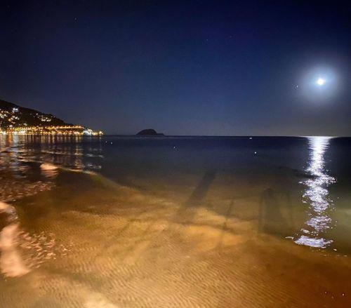 luna-llena-de-halloween-o-luna-azul-instagram-miss-ellie-martin