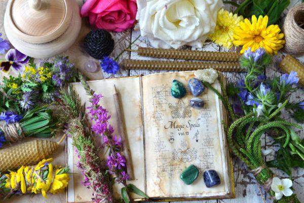 Como hacer un libro de brujas o libro de sombras