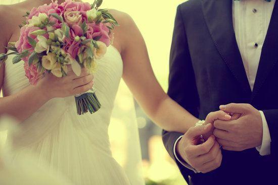 Sonar con mujer vestida de novia