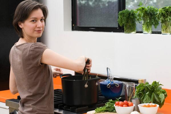 soñar-con-una-cocina-significado-soñar-que-cocinas-con-muchos-ingredientes