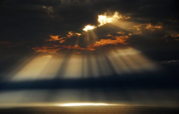 piedra-granate-desarrolla-tu-poder-luz-divina