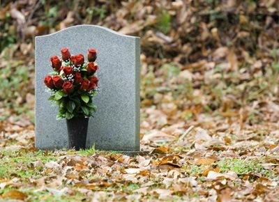 soñar-con-lapidas-en-un-funeral