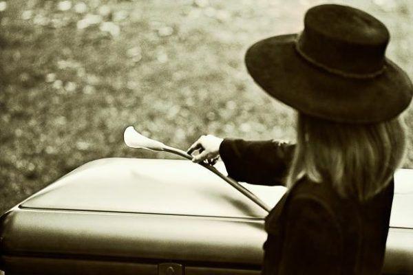 soñar-que-estamos-solos-en-un-funeral
