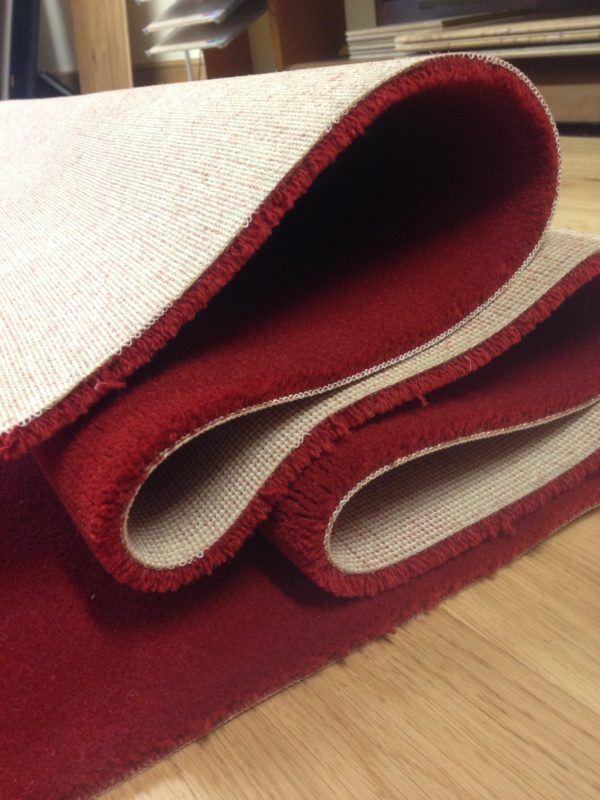 soñar-con-una-alfombra-doblada