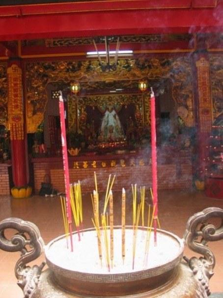 1.1203841380.incense-pot