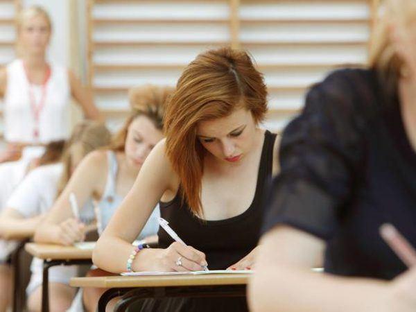 soñar-que-te-has-dormido-antes-de-un-examen