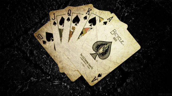 Soñar que ganas a las cartas