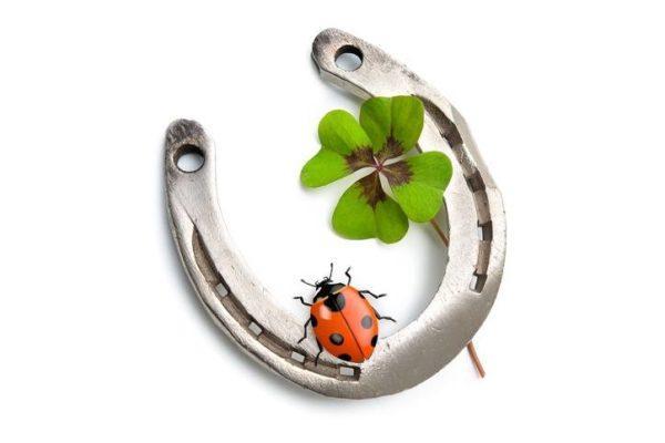 Amuletos para atraer la buena suerte y contra el mal de ojo Para la buena suerte