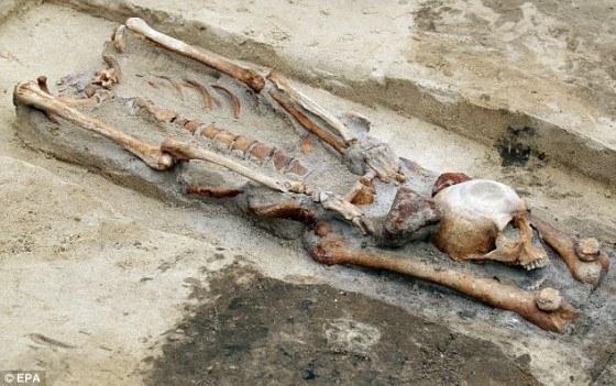 restos-tumba-gliwice