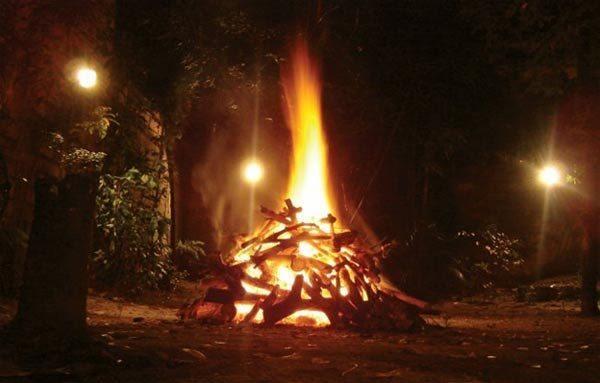 las-costumbres-de-halloween-2015-las-hogueras