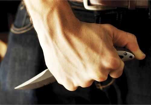 soñarc-con-peleas-de-cuchillos