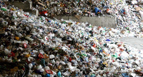 Soñar con basura que huele mal