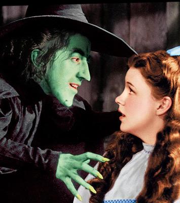 soñar con una bruja que se rie