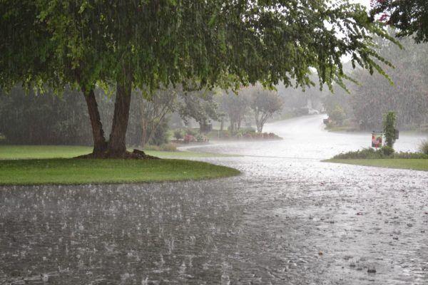 el-significado-de-sonar-con-la-lluvia-fuerte