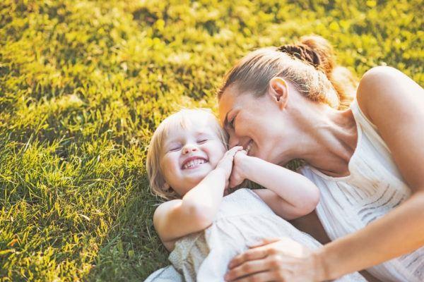 sonar-mama-soñar-con-tu-madre-cuidando-del-hijo-de-otra-persona
