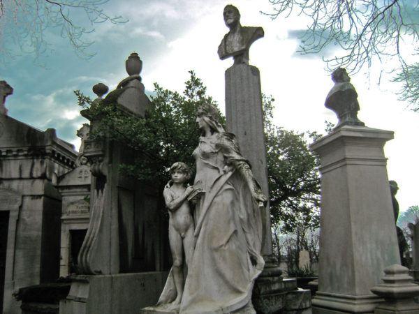 significado-soñar-cementerio