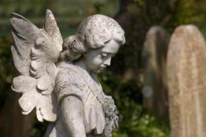 soñar-cementerio-estar-sentado