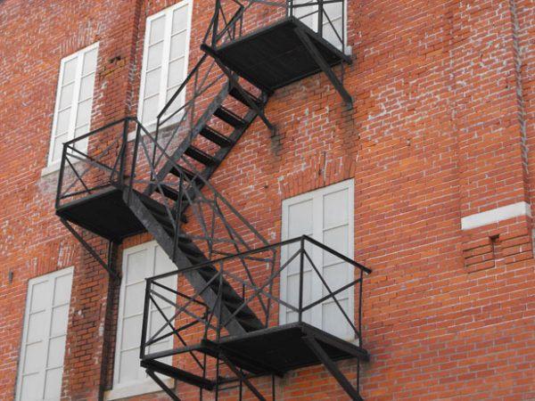 soñar-incendio-escaleras
