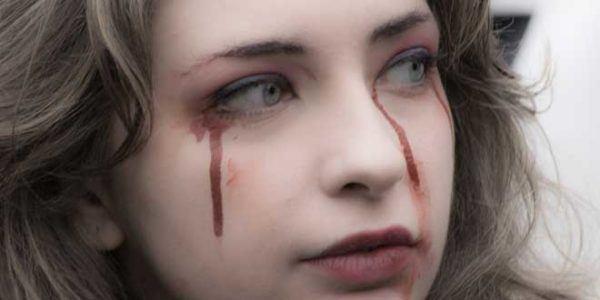 que-significa-sonar-con-sangre-llorar-sangre