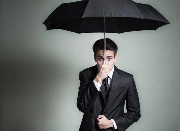 Objetos mala suerte. paraguas dentro de casa
