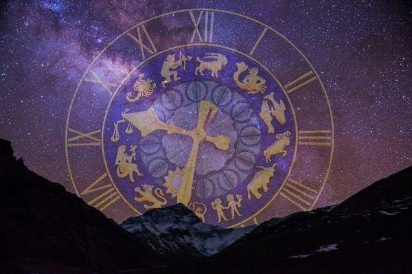el-signo-solar-lunar-y-ascendente-astros-reloj