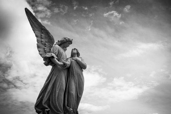 la-angeologia-tipos-de-angeles-estatuas