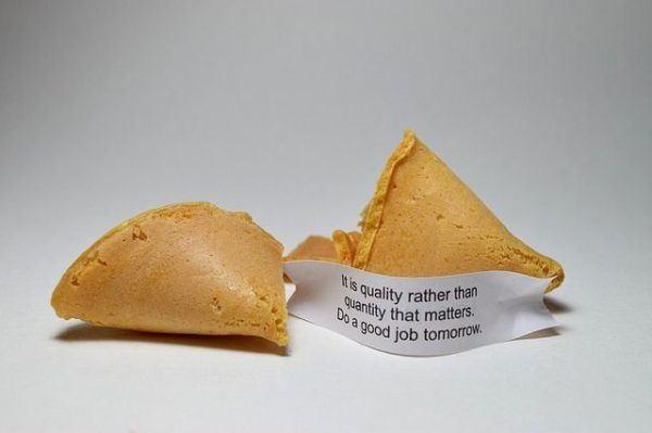 las-galletas-de-la-fortuna-frases-dos-galletas-con-frase