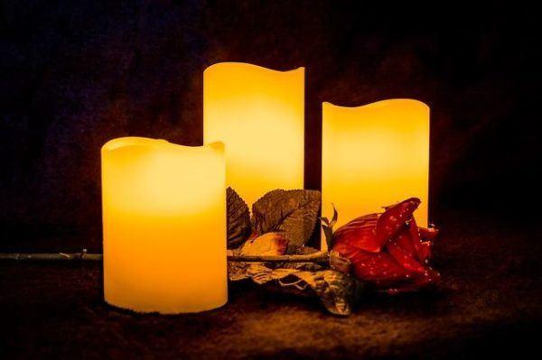 los-significados-del-color-de-las-velas-amarilla