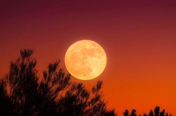 como-nos-afecta-la-luna-llena