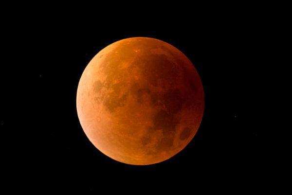 Como nos afectan los eclipses de luna